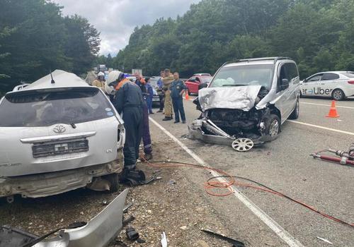 В страшном ДТП на Кубани погибли водитель и пассажир ВИДЕО