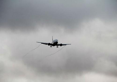 Самолет экстренно сел в Краснодаре после попадания в него молнии