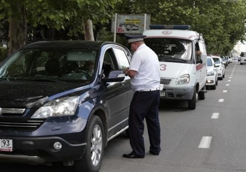 24 уголовных дела возбудили на двух инспекторов ГИБДД на Кубани