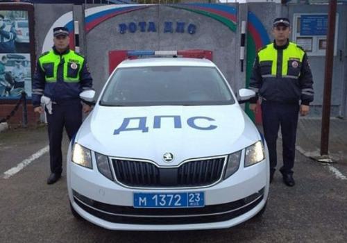 В Краснодарском крае сотрудники ДПС помогли доставить в больницу ребенка без сознания