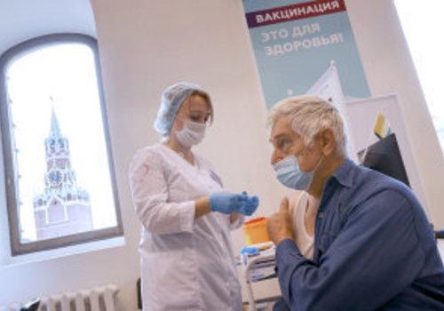 На Кубани ввели обязательную вакцинацию для новых категорий работников
