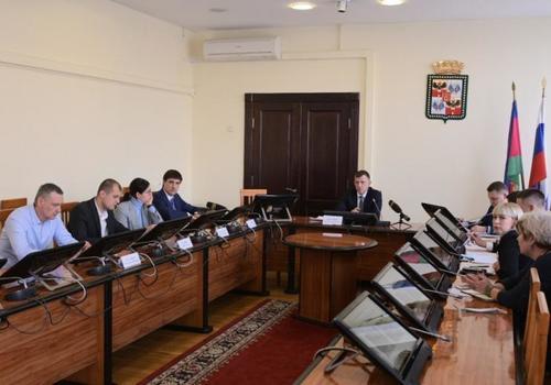 До конца года в Краснодаре снесут восемь аварийных домов, на остальные перекроют доступ