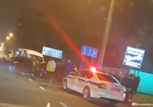 Разбились пять авто на Северной в Краснодаре: подробности массовой вечерней аварии ВИДЕО