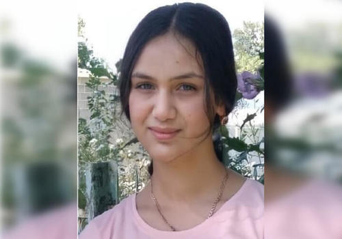 В Краснодарском крае пропала школьница в сером длинном платье