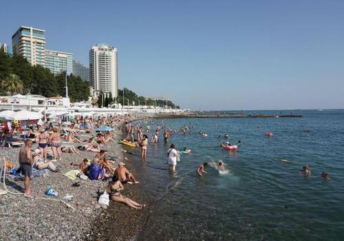 Вода в Черном море в акватории Сочи остыла раньше обычного