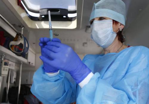 Минздрав разрешил одновременно ставить прививку от коронавируса и гриппа