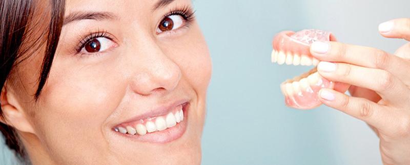Протезирование зубов в Анапе: клиники, цены