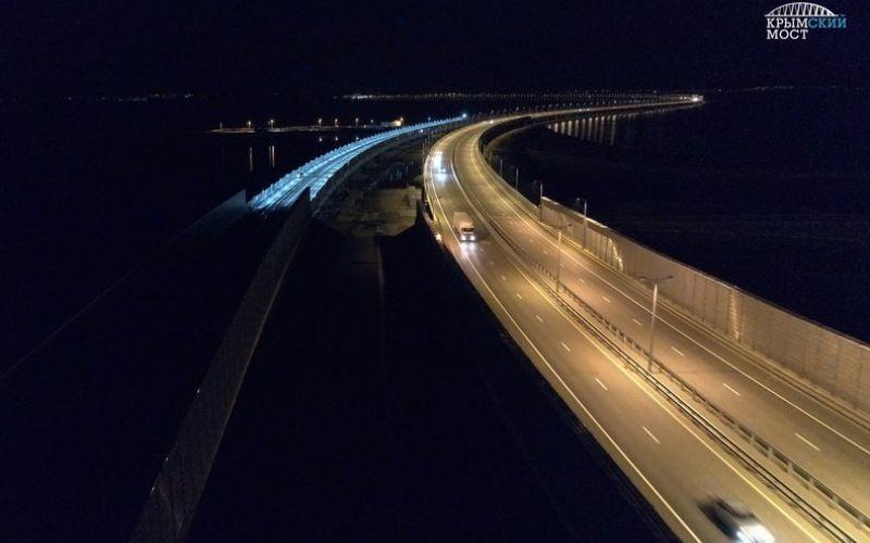 На Крымском мосту протестировали освещение железной дороги ФОТО, ВИДЕО
