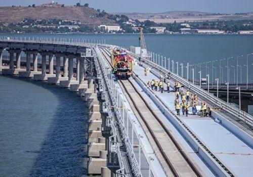 В кассах Симферополя и Севастополя уже продано с полсотни билетов на поезда через Крымский мост