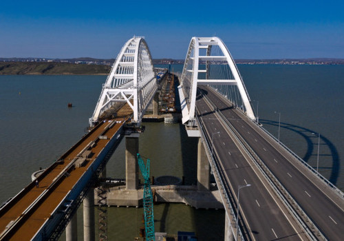 Владимир Путин приедет в Крым на открытие железнодорожного моста