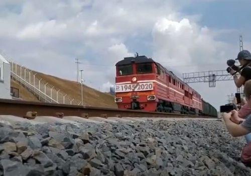 По Крымскому мосту прошли первые грузовые поезда ФОТО, ВИДЕО