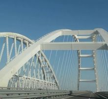 Mini_27054_na-krymskom-mostu-ustanovl