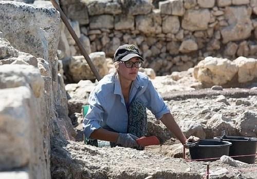 Византийский медальон и скифские склепы: Что нашли археологи в Крыму за это лето