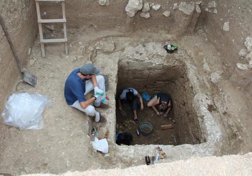 На раскопках в Херсонесе найдены золото и другие ценности