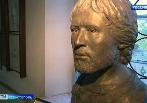 Ученые Херсонеса воссоздали облик древнего мужчины из эпохи Средневековья
