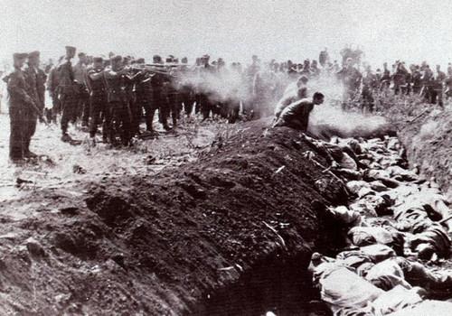 В Севастополе нашли ров с останками расстрелянных нацистами горожан