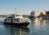 На Северную строну в Севастополе ходят только два катера, фото — «Рекламы Севастополя»