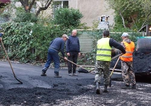 Власти Ялты определят городские дороги для ремонта с учетом мнения местных жителей