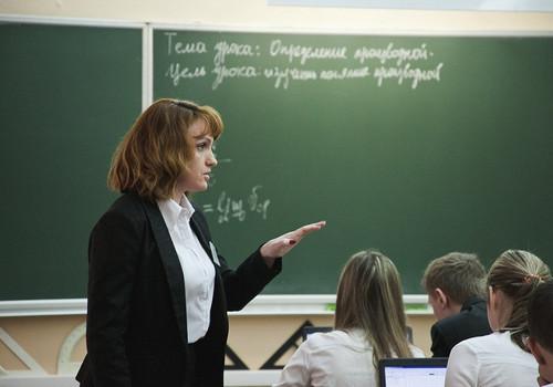 Оказалось, что севастопольские учителя зарабатывают больше всех педагогов на юге России