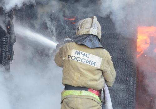 В Гагаринском районе Севастополя горит многоквартирный дом