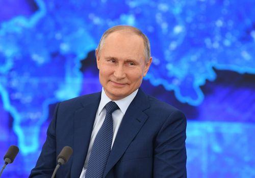 """Путин согласился на """"сплошные"""" майские праздники"""