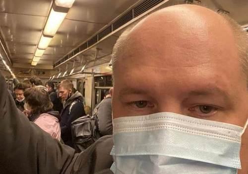 Развожаев по Москве ездит на метро
