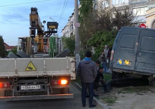 Дорожные знаки не спасают на «чертовых перекрестках» Севастополя
