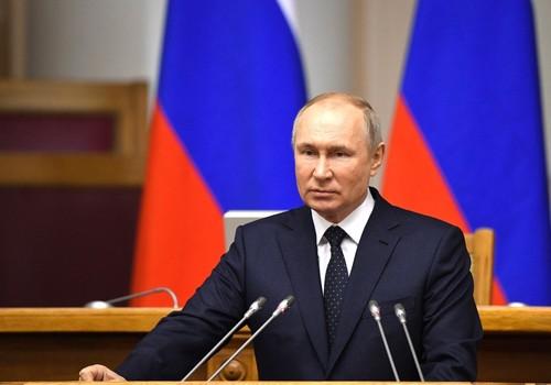 Песков заявил, что Путин готов обсуждать с Зеленским Крым