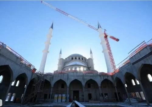 Возобновились работы по росписи Соборной мечети в Симферополе