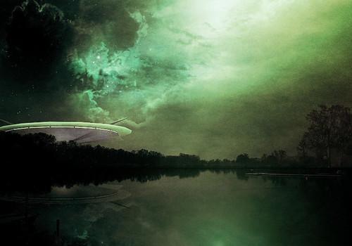 «Принесло магнитной бурей»: над Крымом засекли НЛО