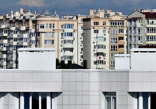 В Севастополе из окна второго этажа выпал маленький ребенок