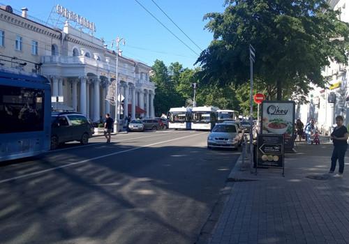 Центр Севастополя был парализован из-за автомобильной аварии ФОТО