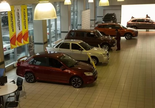 Отдать Mercedes за 600 тысяч, а выкупить за 2 миллиона: Банк России раскрыл список компаний «черных кредиторов» в Севастополе