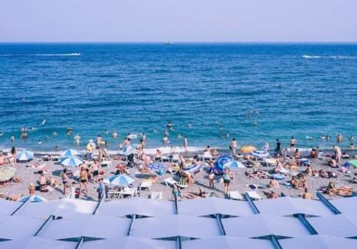 Ростуризм: еще июнь, а Черноморское побережье уже перегружено