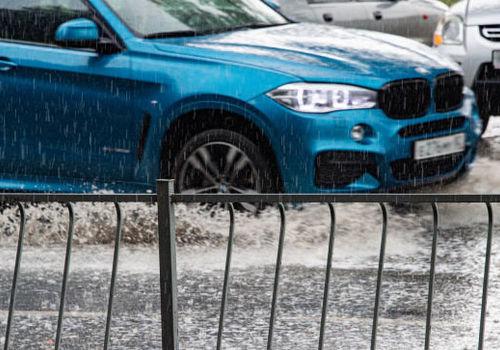 Сильные ливни с градом: МЧС объявило Крыму штормовое предупреждение