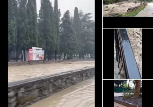 Ялту затопило из-за ливней и вышедшей из берегов реки. Власти попросили жителей оставаться дома ВИДЕО