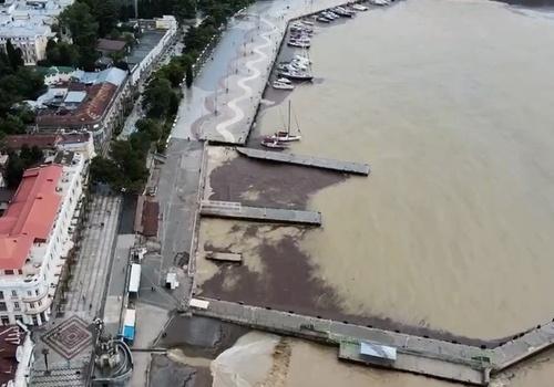 Запрет на купание в море в Ялте снимут не раньше 23 июня ВИДЕО