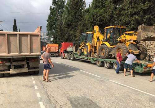 Власти Ялты просят не оставлять автомобили на улицах из-за генеральной уборки