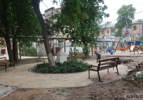 В Цветочном переулке Феодосии скоро обновят двор ФОТО