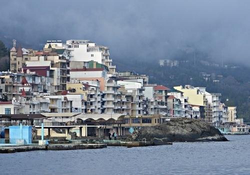 Туроператоры спрогнозировали срок снижения цен на отдых в Крыму и Сочи