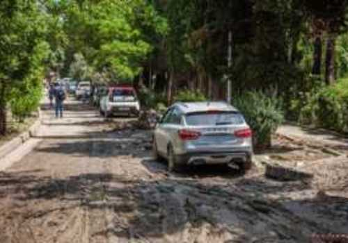 Автосервисы Крыма заполнены утопленными автомобилями