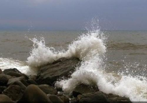 В Крыму штормовое предупреждение: в ближайшие часы резкое усиление ветра