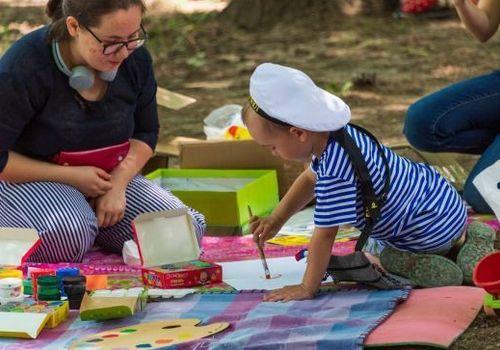 Семьи с детьми в течение полугода получат единовременные выплаты