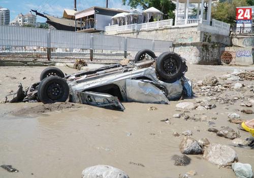 Компенсацию за пострадавшее авто во время потопа в Крыму получат те, у кого стоимость транспорта до 300 тысяч рублей