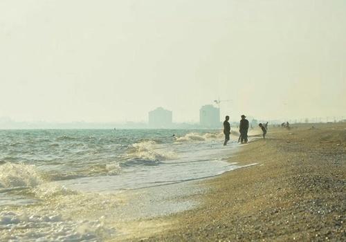 Четверо отдыхающих утонули за сутки в Крыму во время шторма
