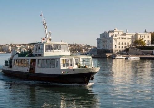 Движение катеров и паромов через бухту Севастополя приостановят