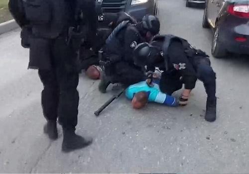 ФСБ накрыла сеть незаконных торговцев оружием в Крыму и в других регионах
