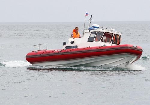 Унесённые ветром: туристов на матраце нашли в километре от берега Крыма