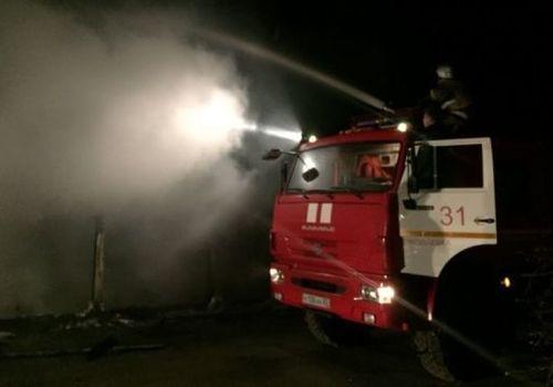 Ночной пожар на берегу моря в Крыму: выгорели четыре дома