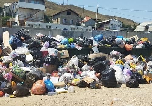 «Отжимают» у государства: Аксенов хочет убрать частников из «мусорного» бизнеса